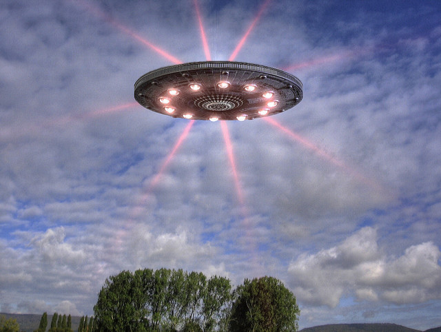 70,000 reported UFO sightings every year - Worldwide